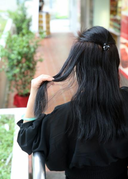 Woman Paid 5000 For Hair Treatments After Being Told She Might