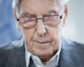 Former Nazi guard expected to break silence at German trial