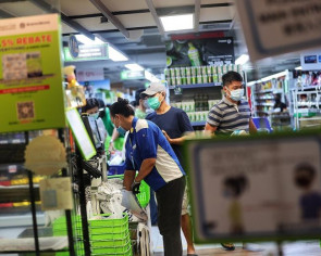 Sheng Siong staff to get extra month of salary as Q1 profit soars