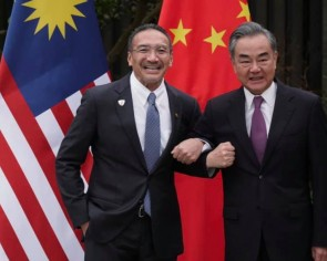 Malaysian Foreign Minister Hishammuddin Hussein clarifies controversial 'older brother' remark during China visit