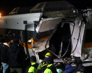 Site manager, transport minister accept responsibility for Taiwan train crash
