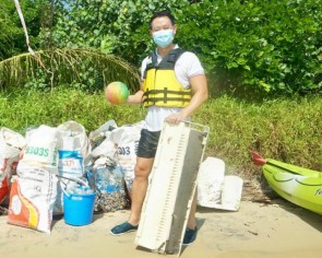 MP Louis Ng discovers air-con during beach cleanup, but that's not the scariest thing he's found so far