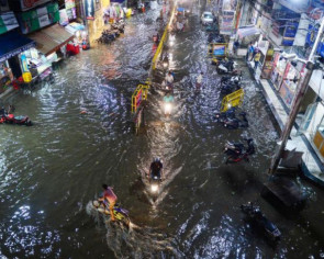 New flood alert in India as death toll hits 209