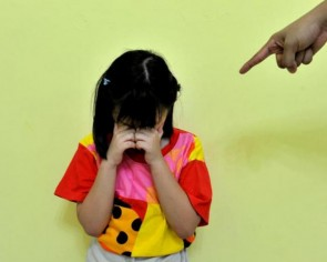 Pre-school under probe, teacher allegedly made child eat own vomit
