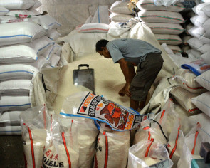 Rice mills, big traders blamed for rice scarcity in regions