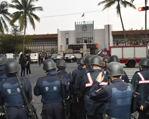 Kaohsiung inmates free hostages, kill selves