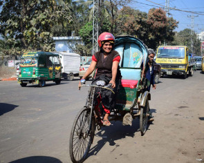 Bangladesh's female rickshaw-wallah is called 'Crazy Auntie'