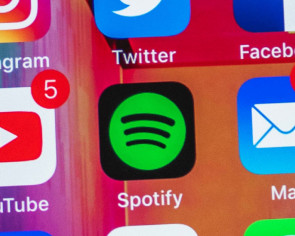 Spotify may soon have real-time lyrics again