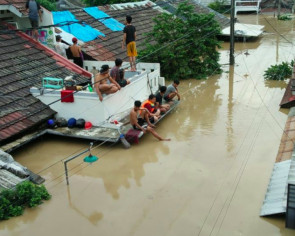 City deploys joint team to evacuate, assist residents after floods hit Greater Jakarta