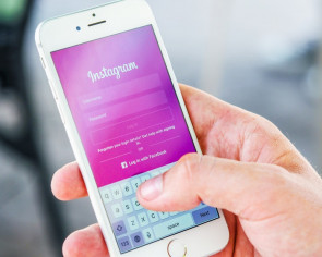 After miscarriage, women seek support and emotional outlet on Instagram