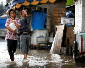 Floods trigger power outages, evacuations in Jakarta