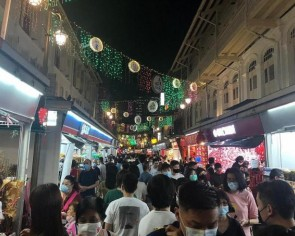 What Covid? Crowds want to feel CNY vibe in Chinatown despite new measures