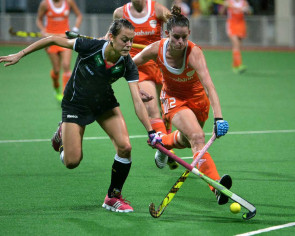 Women's hockey: Expansion for tri-series?
