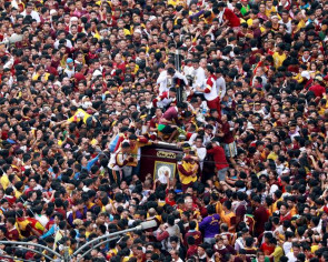 Philippine Catholics swarm Black Nazarene statue hoping for miracle