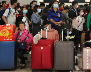 China coronavirus: Hong Kong officials 'not doing enough to stop spread'