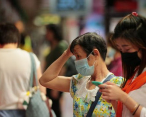 Wuhan virus: Govt cracks down on mask profiteers, retailer Deen Express queried on alleged inflated prices