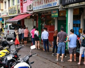 Hunger for bak kwa still strong amid Covid-19 pandemic