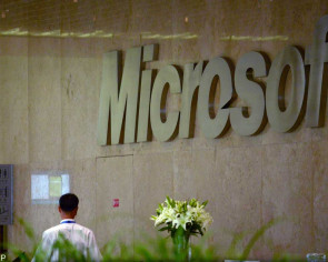 Microsoft gives free phones to employees in Beijing if they resign voluntarily