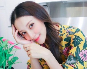 HK actress Grace Chan's second pregnancy is a 'calm experience'