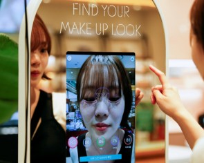 South Korean 'augmented reality' mirror allows touchless cosmetics