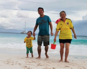 Chinese family stranded in Seychelles by coronavirus finally home