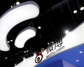 China's social media magnate to privatise microblog operator Sina