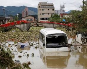 Masks, disinfectant, social distancing: Japan responds to disaster amid coronavirus