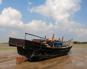 Twenty-four Rohingya feared drowned off Malaysian resort island