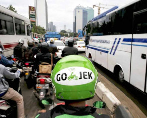 Motorcycle taxi apps zoom ahead in Jakarta