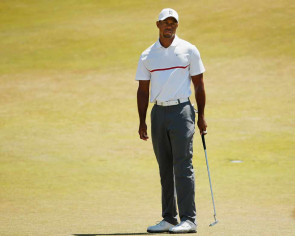 Wounded Tiger tumbles out of US Open