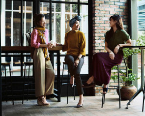 Uniqlo goes chic and modest