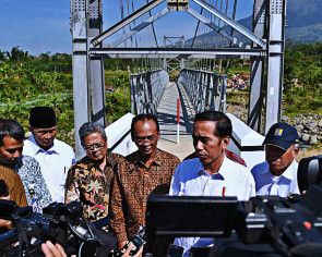 Jokowi vows to build 60 suspension bridges to connect villages across Indonesia