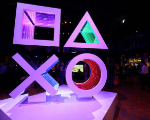 Sony fires at Xbox with arsenal of big PS4 games