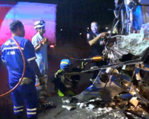 Passengers injured after Bangkok-bound bus smashes into truck