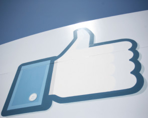 Aussie court rules media companies liable for Facebook comments
