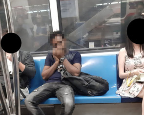 Man takes photo of commuter on MRT hogging seat with bag, gets flamed instead