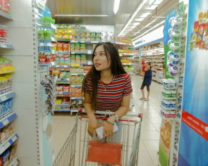 Here's how you can make grocery shopping feel a lot less stressful