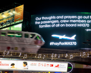 Experts tackle theories over missing MH370