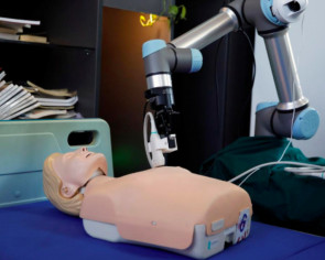 Robotic arm designed in China could help save lives on medical frontline