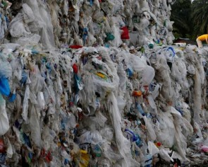 Malaysia lets in US plastic waste after it passes new UN treaty test