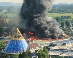 7 injured in massive blaze at Germany's largest theme park