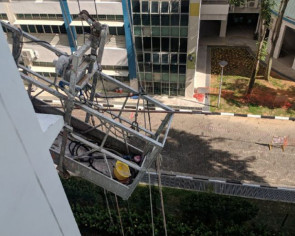 Workers rescued after 'faulty' gondola leaves them stranded six storeys up HDB block
