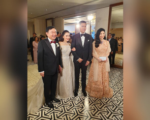 Thaksin's daughter gets married in Hong Kong with royalty in attendance