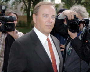 Former Enron CEO Jeffrey Skilling released from federal custody