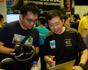Creative CEO Sim Wong Hoo spotted mingling with customers at IT Show 2019