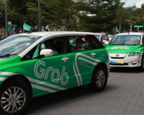Grab driver offers disabled passenger discounted rides, warms the hearts of many online