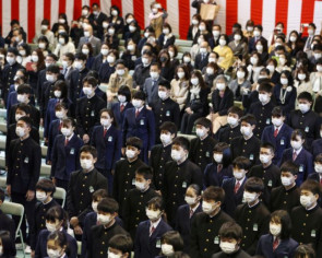 Japan's coronavirus crisis sparks calls for revamping the school year