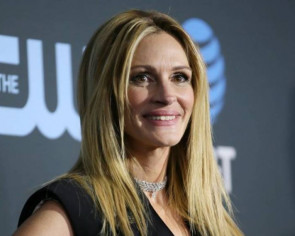 Coronavirus: Julia Roberts, other stars hand over social media accounts to health experts in #PassTheMic initiative