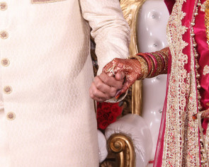 Chinese city Kunming hosts $4m dual wedding ceremony for Indian cousins