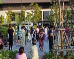 Not a drill: Earthquake empties Thai hospital